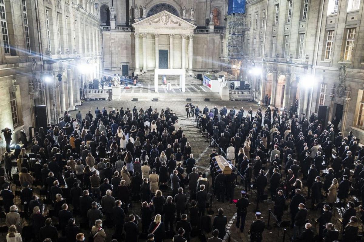 Lễ tưởng niệm tại trường Đại học Sorbonne. (Ảnh): Liberation