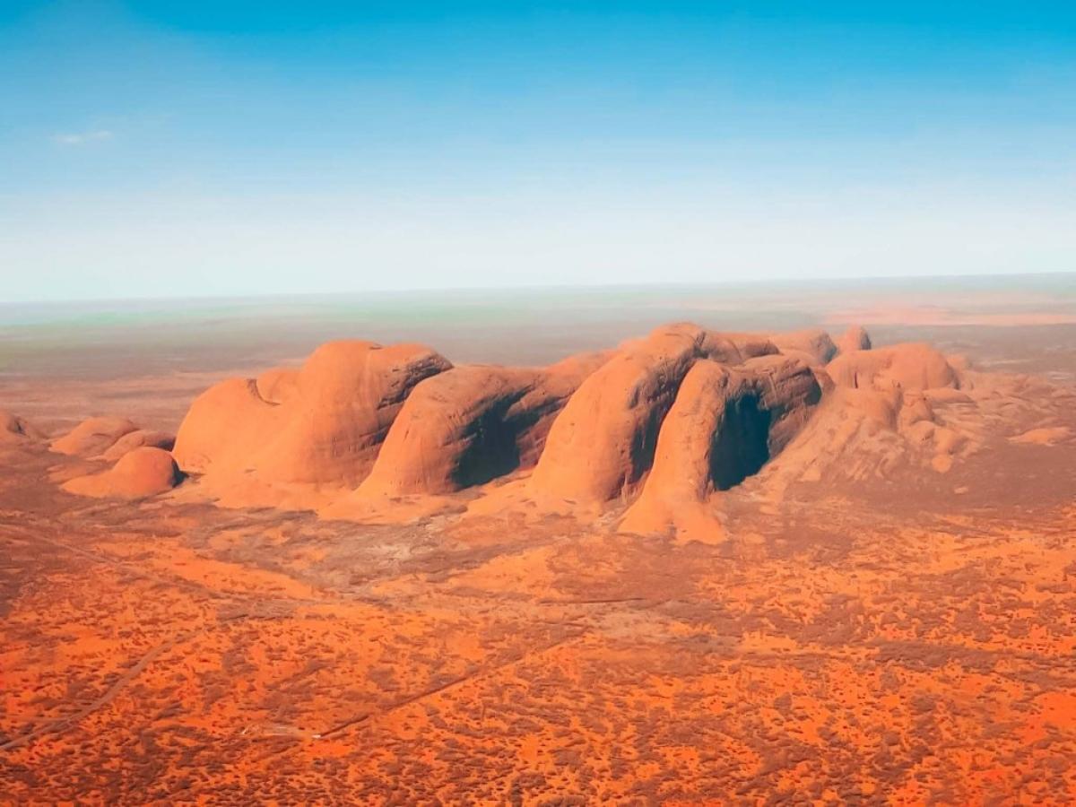 Uluru - một kỳ quan nổi tiếng ở miền trung Australia