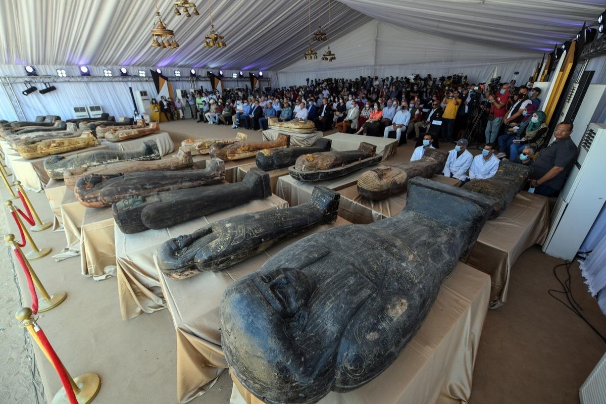 Các nhà khảo cổ học Ai Cập ngày 3/10 thông báo đã khai quật được 59 quan tài bằng gỗ tại khu nghĩa trang Saqqara. Ảnh: dailynewsegypt.com