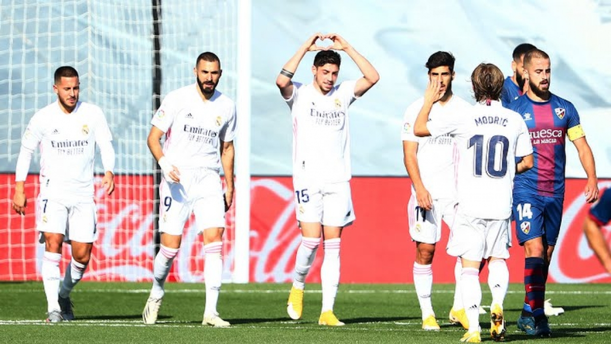 Real Madrid thắng thuyết phục SD Huesca (Ảnh: Reuters).