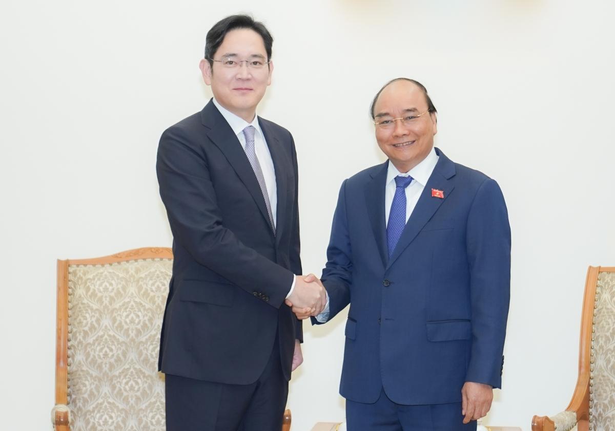 Thủ tướng Nguyễn Xuân Phúc tiếp ông Lee Jae Yong, Phó Chủ tịch Tập đoàn Samsung. Ảnh VGP/Quang Hiếu