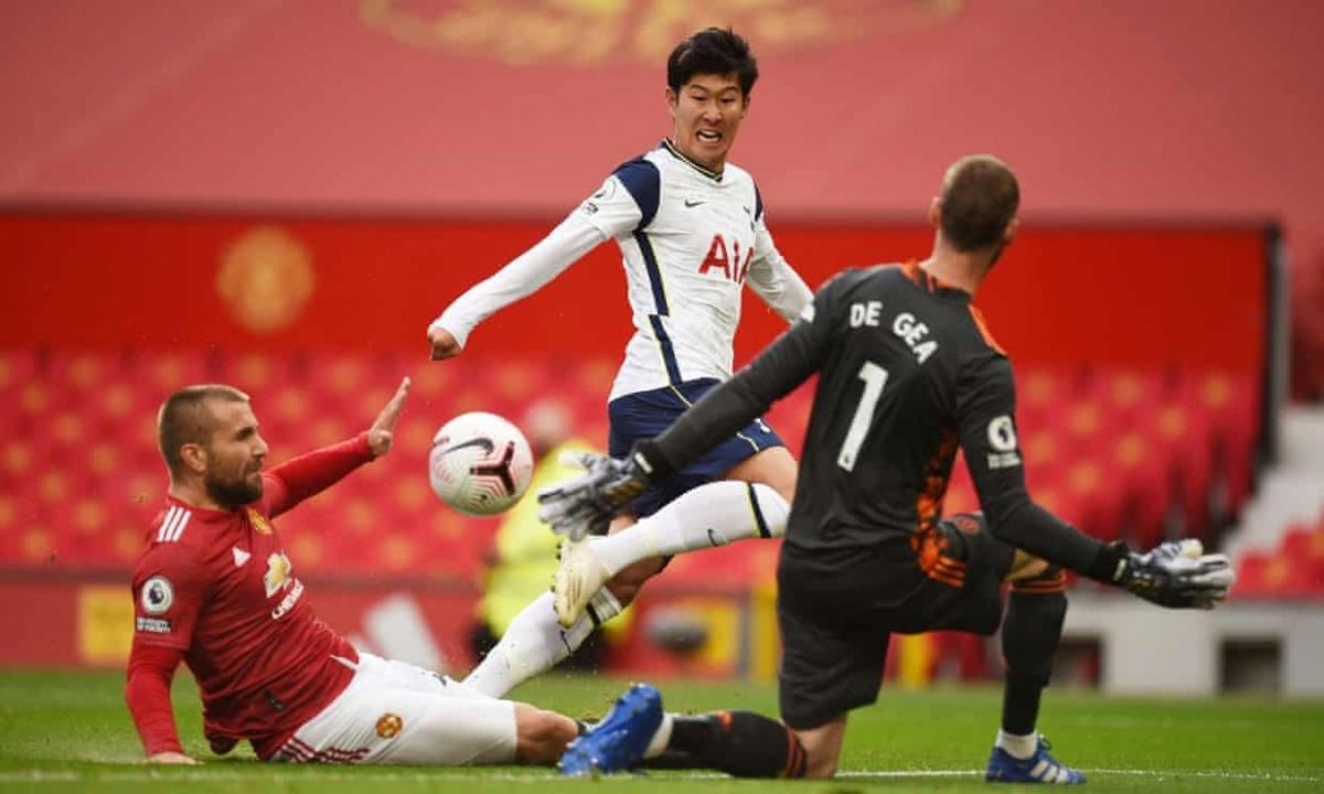 Son Heung Min ghi 2 bàn vào lưới MU dù thi đấu trong tình trạng chấn thương chưa bình phục. (Ảnh: Getty).