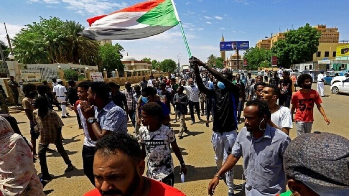Nhiều đảng phái Sudan phản đối bình thường hóa quan hệ với Israel (Ảnh Reuters).