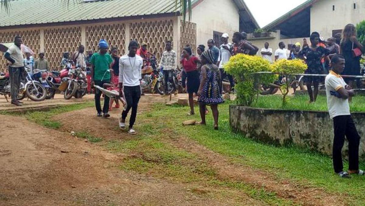 Vụ tấn công trường học ở Cameroon ngày 24/10 làm ít nhất 5 trẻ em thiệt mạng. Ảnh: Journal du Cameroun.