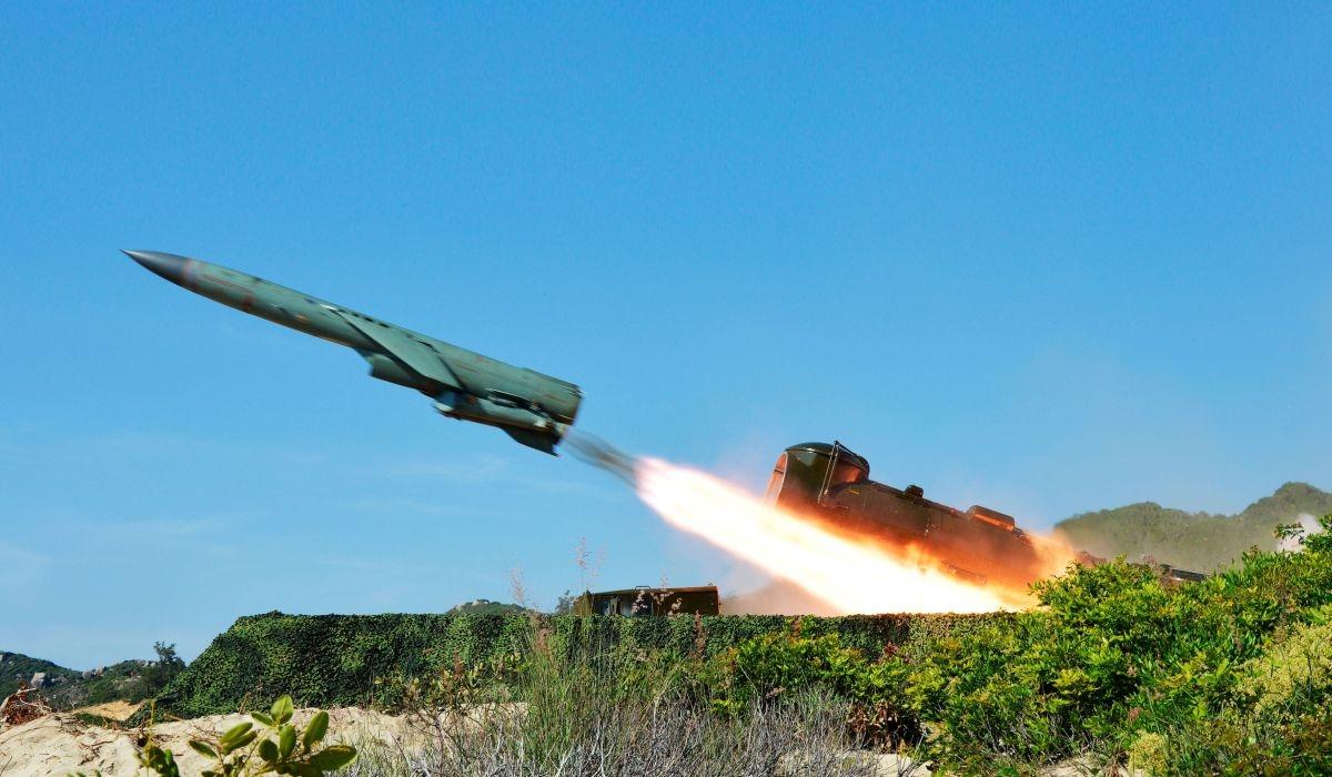 Thưc hành bắn tên lửa trong nhiệm vụ TL-17 tại Lữ đoàn 679. Ảnh:Vùng 1 Hải quân cung cấp.