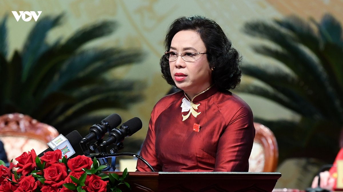 Bà Ngô Thị Thanh Hằng trình bày Đề án nhân sự tại Đại hội. Ảnh: Ngọc Thành