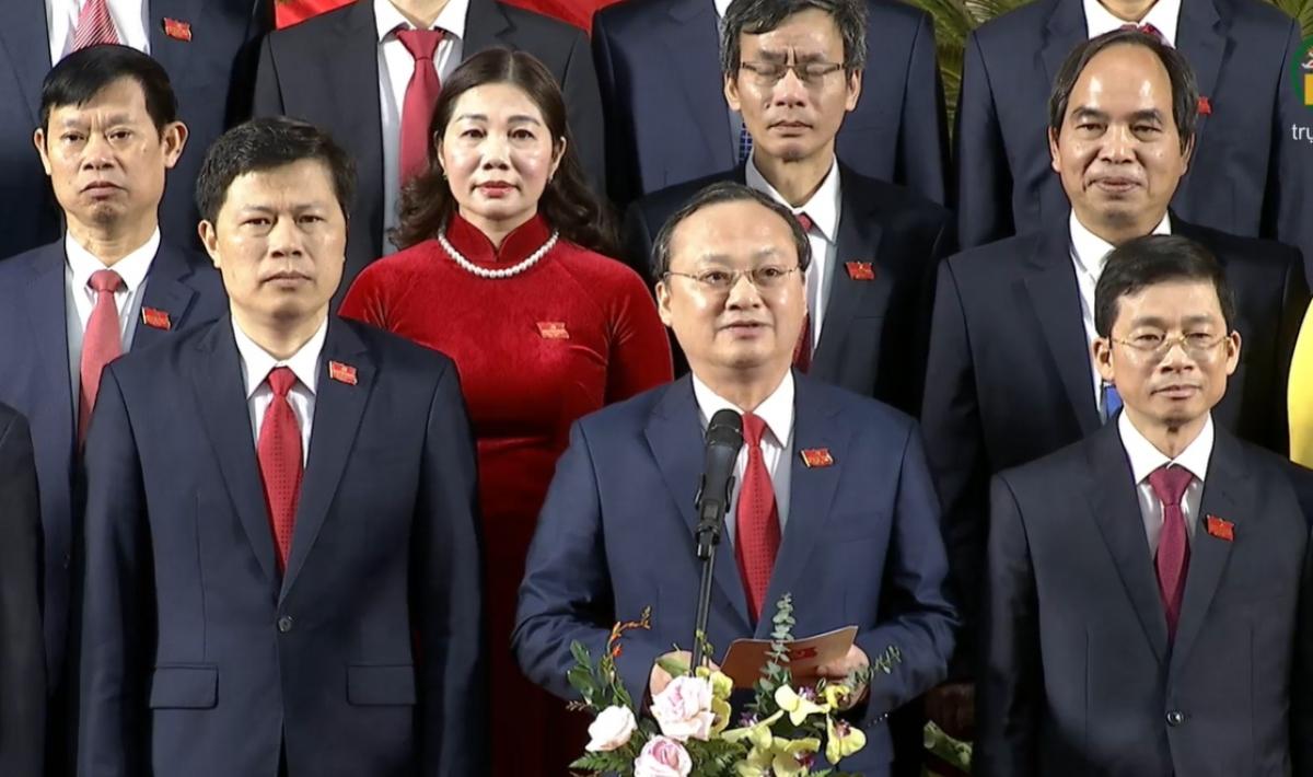 Bí thư Tỉnh ủy Hưng Yên khóa XIX thay mặt Ban Thường vụ Tỉnh ủy cảm ơn sự tin tưởng của Đại hội