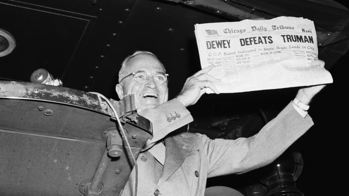 Chicago Daily Tribune thông báo nhầm Dewy là người chiến thắng. Ảnh: Getty