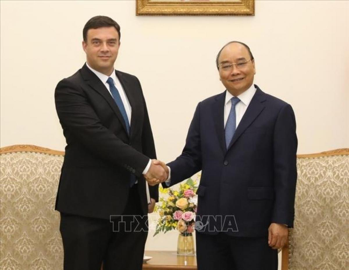 Thủ tướng Nguyễn Xuân Phúc tiếp Đại sứ Israel. (Ảnh: TTXVN)