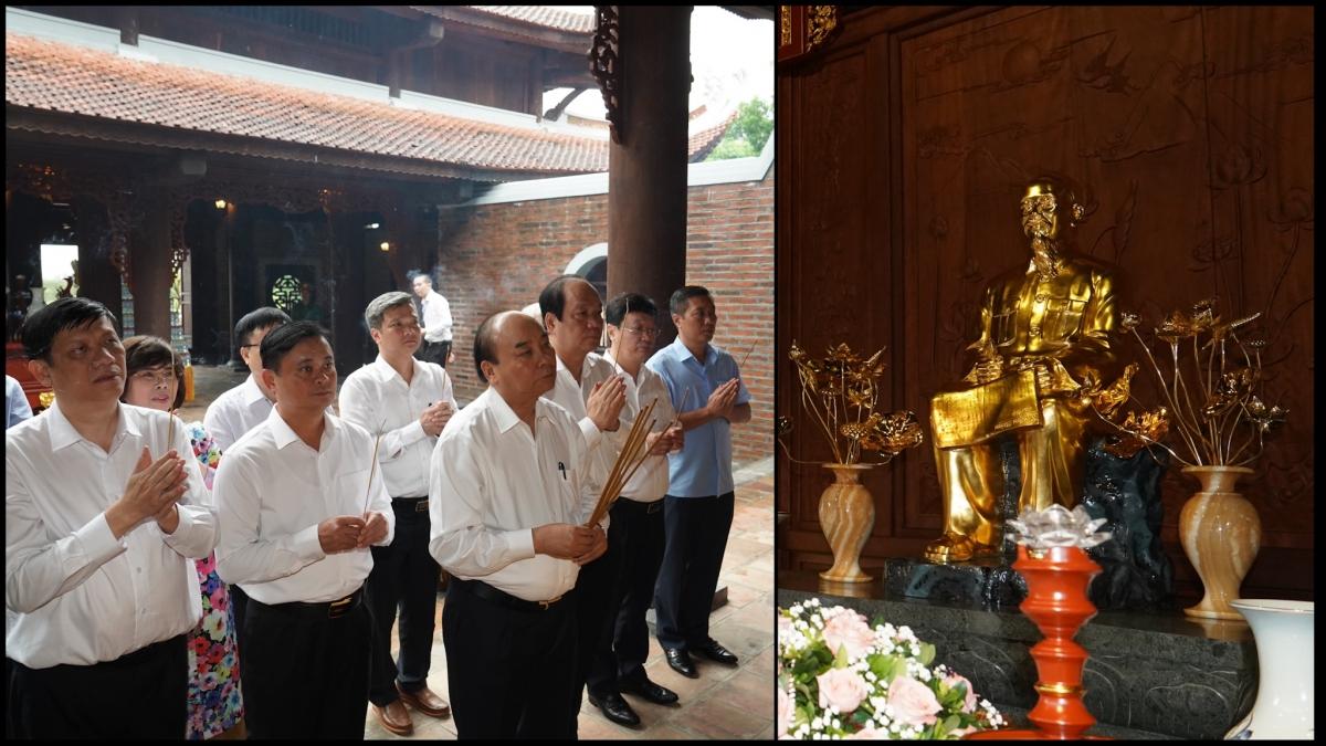 Thủ tướng dâng hương tại Đền Chung Sơn.
