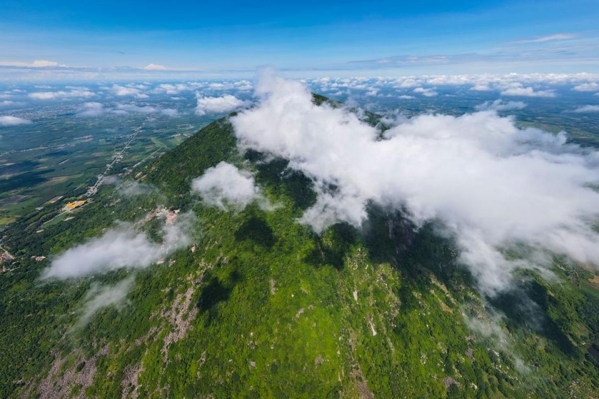 Travel blogger Ngô Trần Hải An cũng lựa chọn… đi du lịch bình thường.
