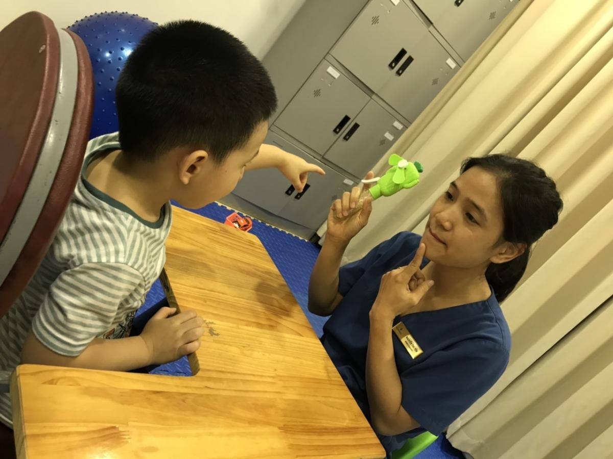 Kết hợp ghép tế bào gốc & giáo dục can thiệp cho trẻ tự kỷ đã đem lại sự tiến bộ rõ rệt về nhận thức, giao tiếp và kỹ năng sống cho trẻ.