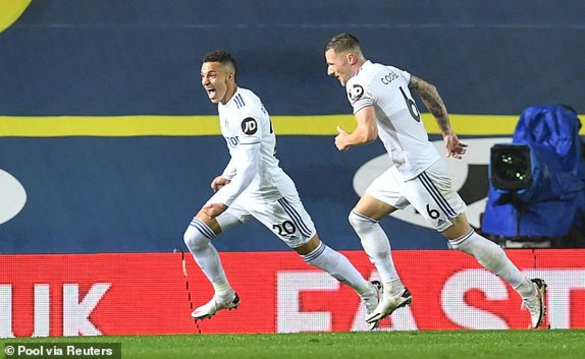 Rodrigo quân bình tỷ số cho Leeds. (Ảnh: Reuters).