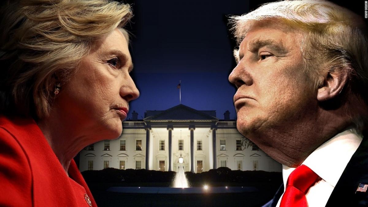 Năm 2016, bà Clinton nhiều hơn ông Trump 2,8 triệu phiếu phổ thông, nhưng lại thua số phiếu đại cử tri. Ảnh: CNN