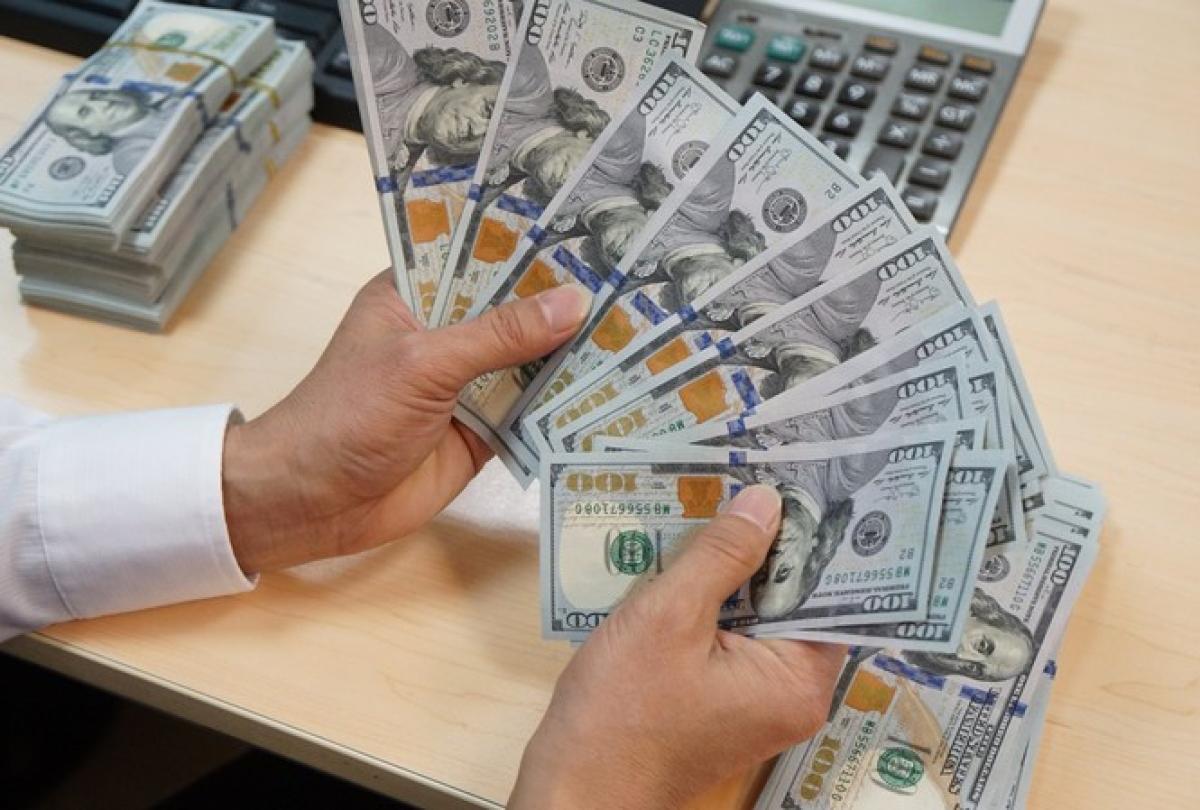 Tỷ giá USD đồng loạt giảm ở các NHTM trong phiên giao dịch cuối tuần (Ảnh minh họa: KT)