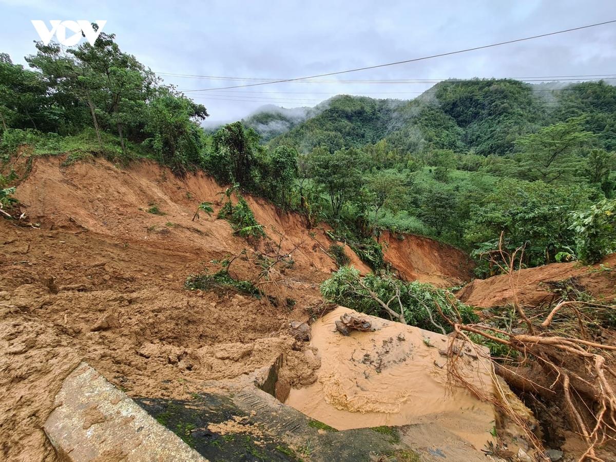 Tính đến 18h ngày 21/10, số người chết và mất tích do mưa lũ đã tăng lên 134 (số người chết 112, số người mất tích 22 người).