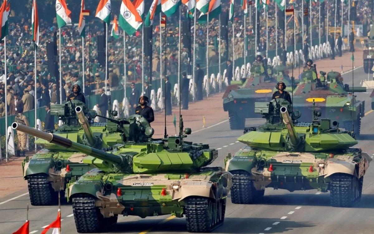 Xe tăng quân đội Ấn Độ. Ảnh: Reuters.