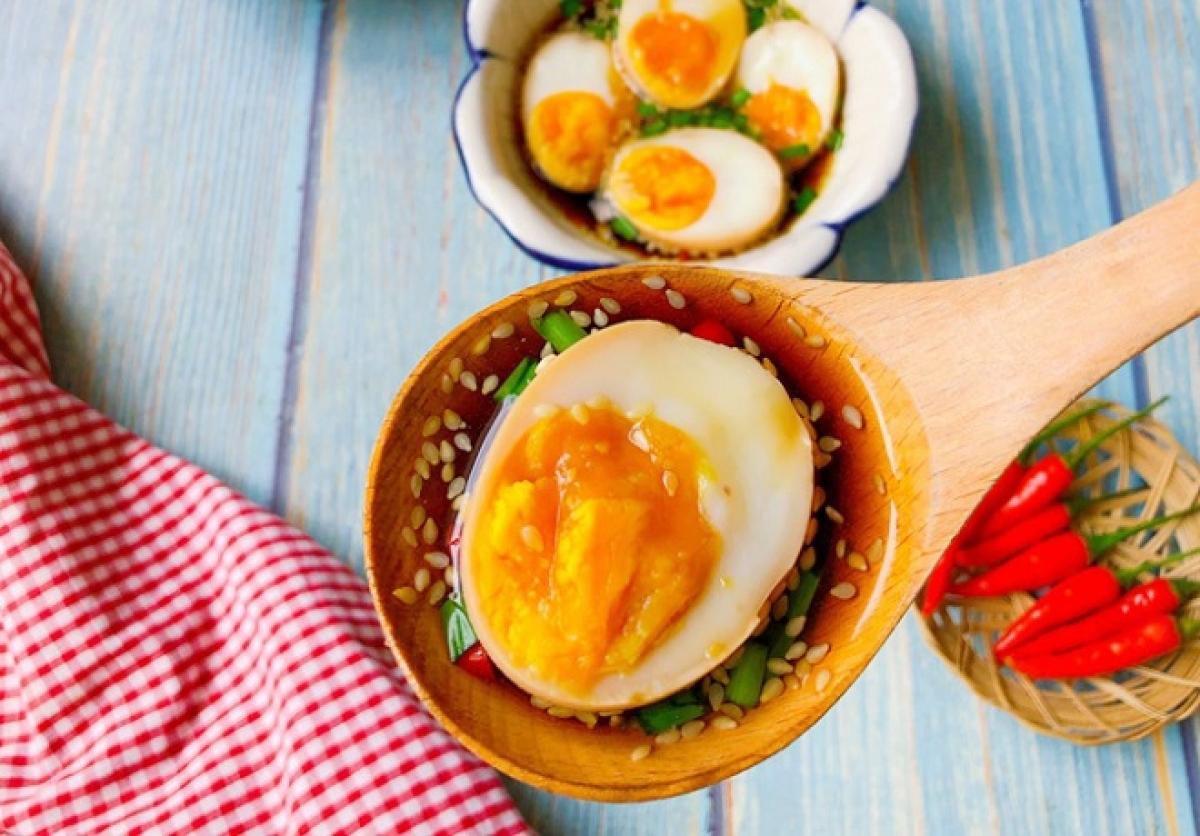 Trứng ngâm xì dầu vừa ngon mà sẽ có lợi cho sức khỏe hơn (Ảnh: Internet)