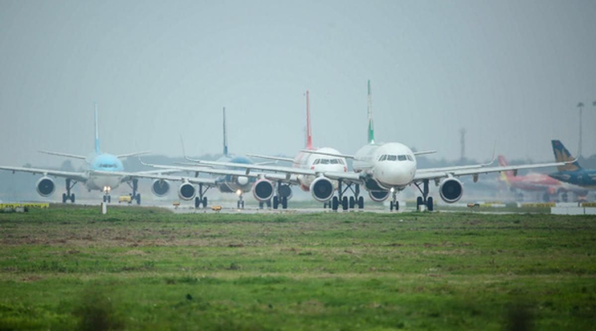 Bộ Tài chính đề xuất giảm thuế bảo vệ môi trường đối với nhiên liệu bay đến hết năm 2021 để cứu ngành hàng không. (Ảnh minh họa: KT)