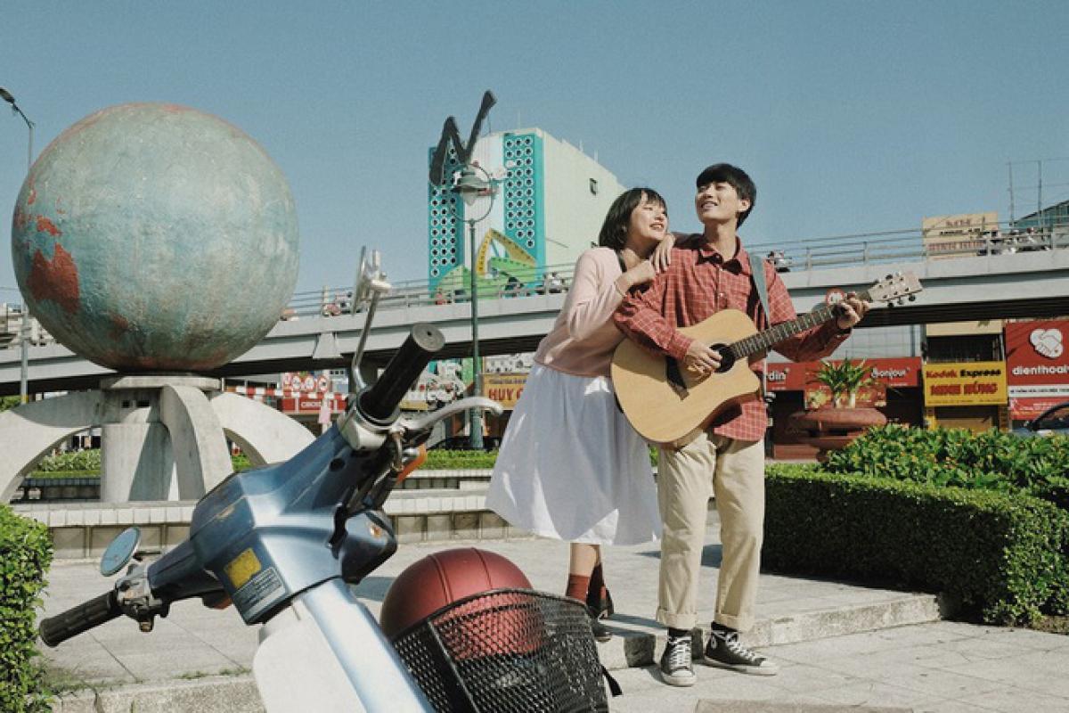 Có những trải nghiệm nếu không lớn lên ở Sài Gòn, khán giả sẽ khó có thể cảm nhận cảm xúc của hai nhân vật chính.