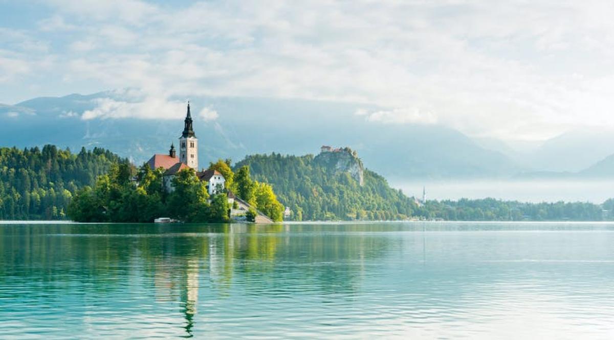 Nhà thờ trên hồ Bled