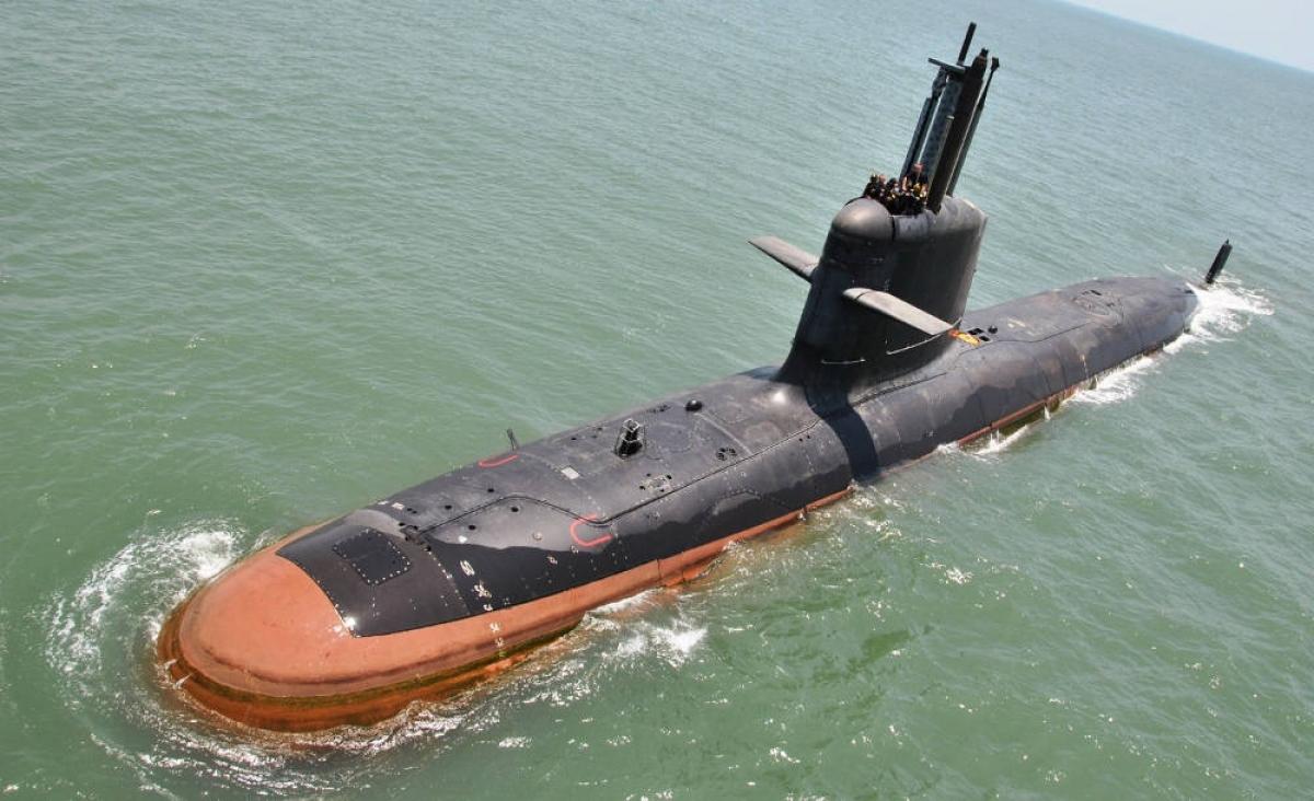 Tàu ngầm Scorpenes lớp Kalvari trong một lần thử nghiệm. Nguồn: wikipedia.org