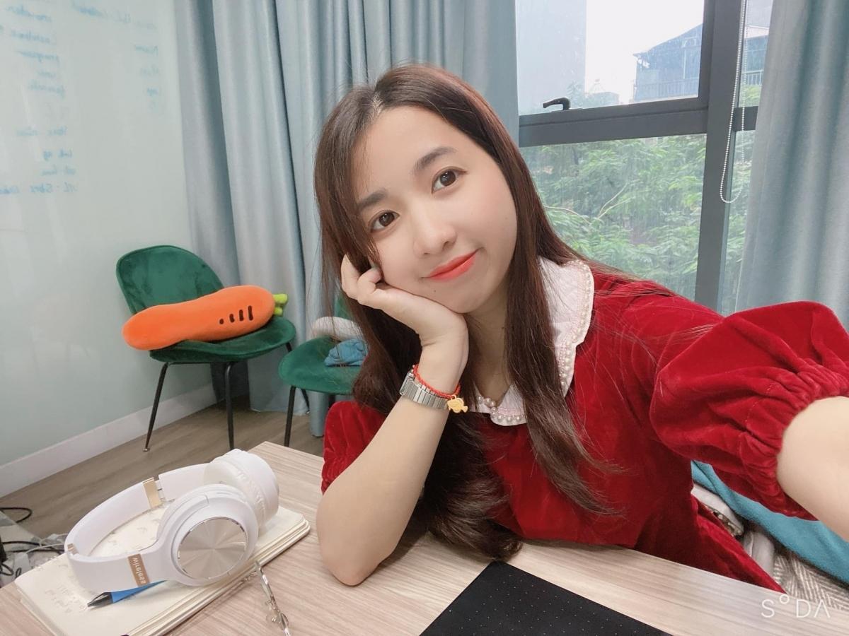 Nữ họa sĩ Thanh Huyên, sinh năm 1992, admin Đại Việt Cổ Phong.