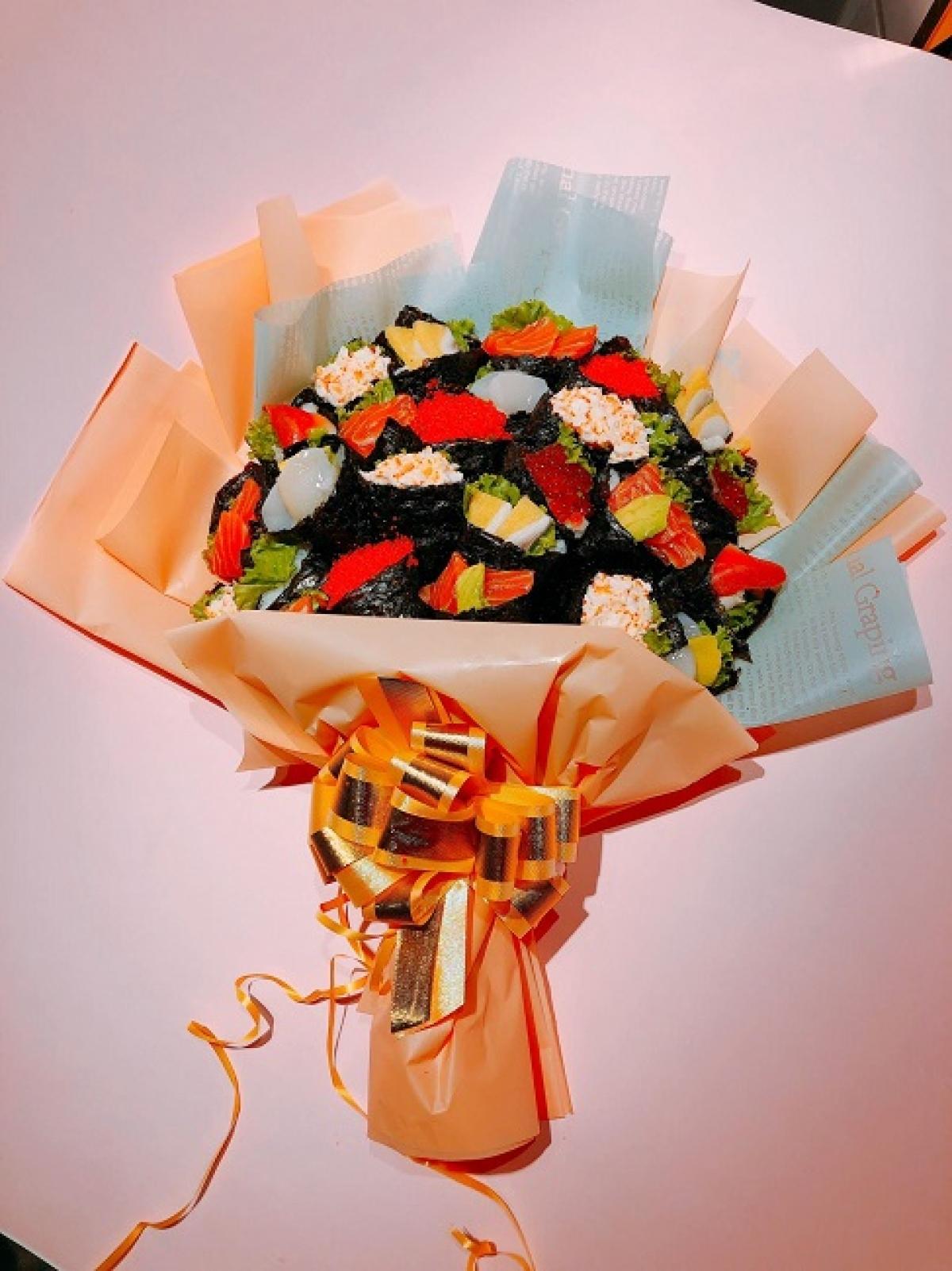 Đây là bó hoa làm quà tặng dịp 20/11, được làm từ cá hồi và rong biển.