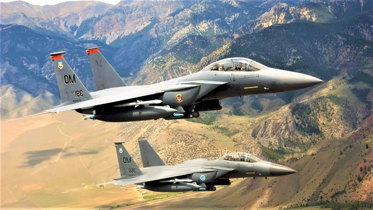 Máy bay chiến đấu F-15 Eagle hai động cơ, hoạt động trong mọi thời tiết của Mỹ từng bị các tin tặc phát hiện có nhiều lỗi phần mềm; Nguồn: formulaf1results.