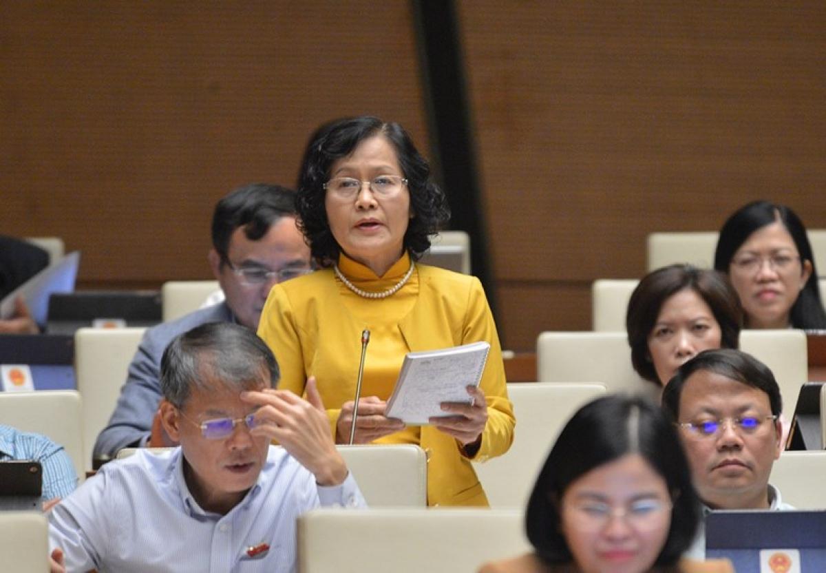 Đại biểu Trần Thị Quốc Khánh - Đoàn ĐBQH TP Hà Nội, phát biểu tại phiên thảo luận. Ảnh: Quốc hội