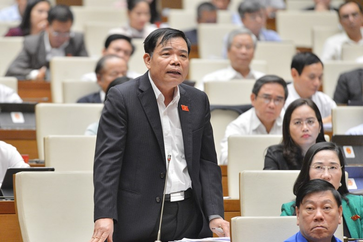Bộ trưởng Bộ Nông nghiệp và Phát triển nông thôn Nguyễn Xuân Cường giải trình, làm rõ một số vấn đề các đại biểu Quốc hội quan tâm.
