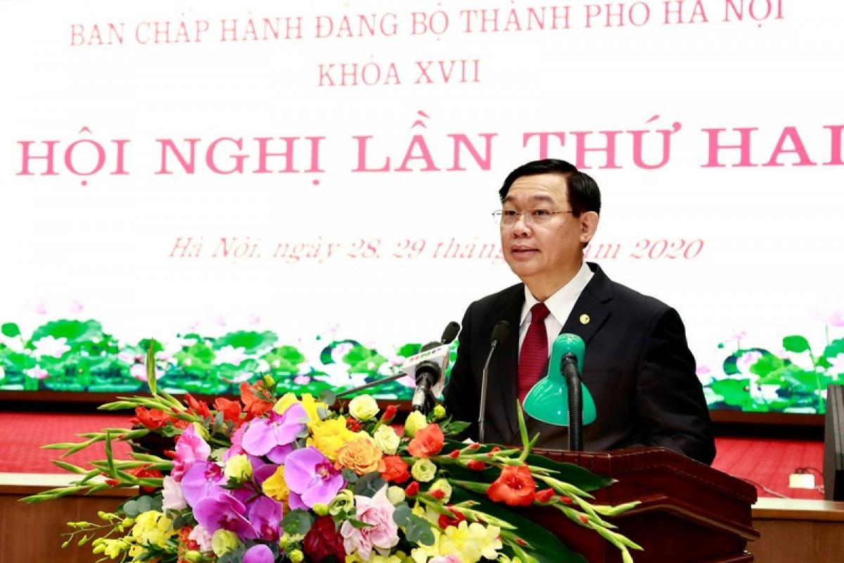 Bí thư Thành ủy Hà Nội Vương Đình Huệ phát biểu khai mạc hội nghị.