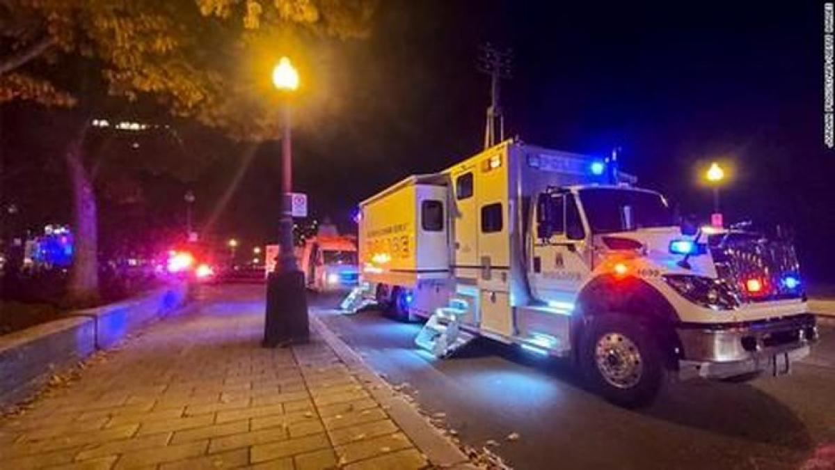 Cảnh sát phong tỏa hiện trường vụ việc - Nguồn ảnh: Getty