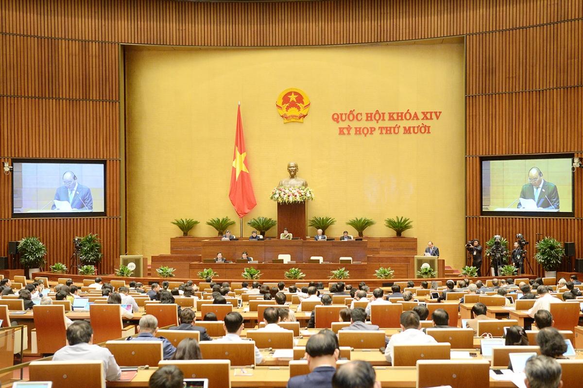 Thủtướng Chính phủ Nguyễn Xuân Phúcbáo cáo trước Quốc hội sáng 10/11/2020. Ảnh: Quochoi.vn