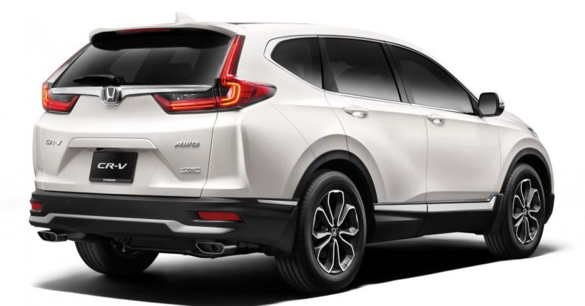 Biến thể cơ sở vẫn là chiếc 2.0 2WD được trang bị động cơ xăng 4 xi lanh hút khí tự nhiên SOHC i-VTEC 2.0 L sản sinh công suất 152 mã lực tại vòng quay 6.500 vòng/phút và mô men xoắn 189 nm tại vòng quay 4.300 vòng/phút. Xe có mức giá 139.913 RM (tương đương 780 triệu đồng) chưa bao gồm bảo hiểm, hưởng lợi từ việc miễn thuế bán hàng sẽ kết thúc vào ngày 31/12/2020 tại đất nước này. So với phiên bản trước khi cập nhật của chiếc 2.0 2WD, chiếc xe mới rẻ hơn 4.717 RM (tương đương 26,3 triệu đồng).