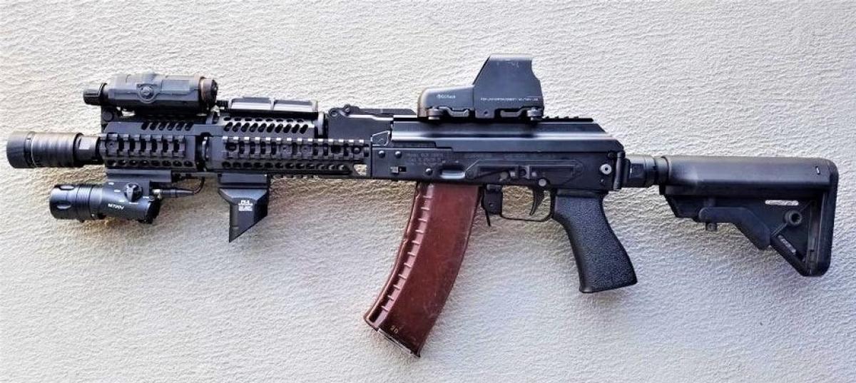 Alpha được ưu tiên vũ trang những vũ khí thượng hạng; Nguồn: reddit.com