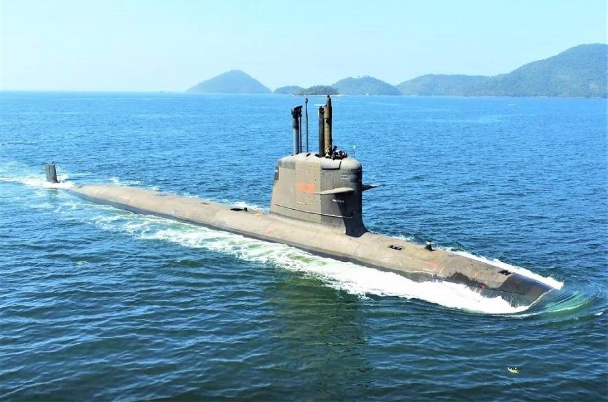 """Chiếc ScorpèneS40 """"Riachuelo"""" trong một buổi thử nghiệm trên biển; Nguồn: militaryleak.com"""