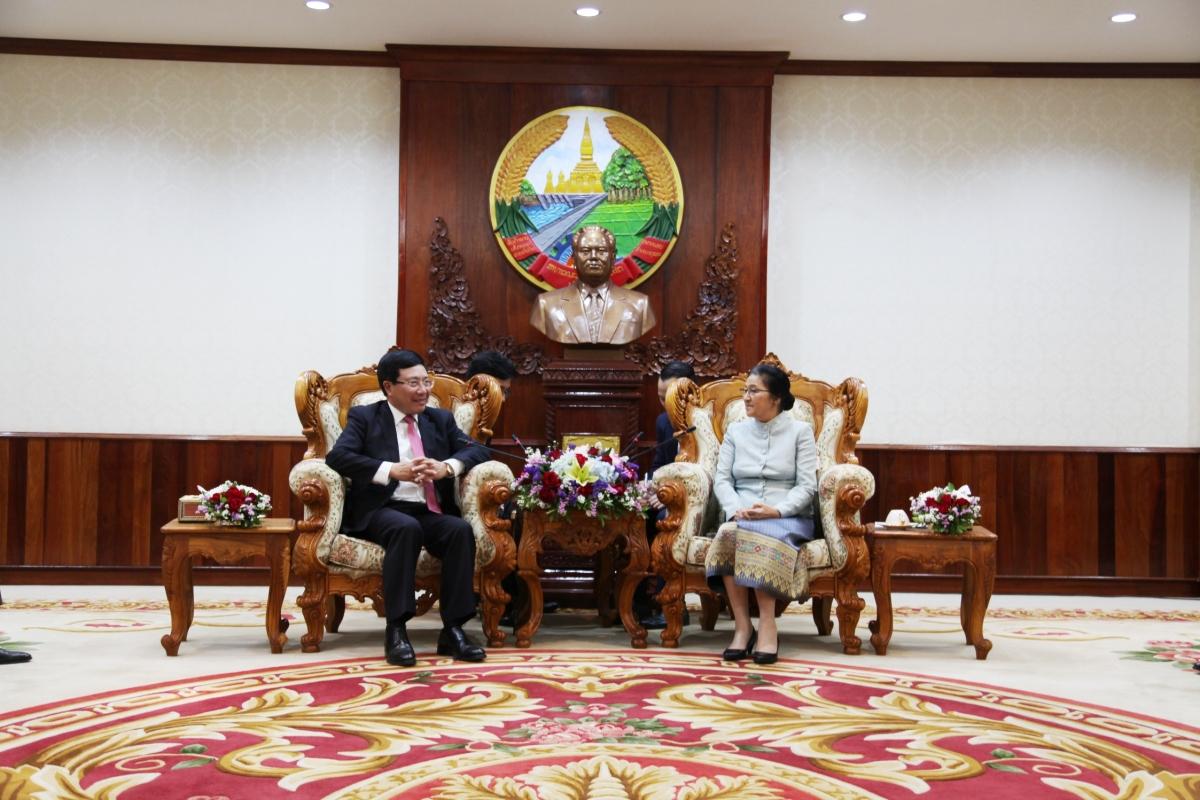 Chủ tịch Quốc hội Lào Pany Yathotou tiếpPhó Thủ tướng, Bộ trưởng Ngoại giao Phạm Bình Minh.