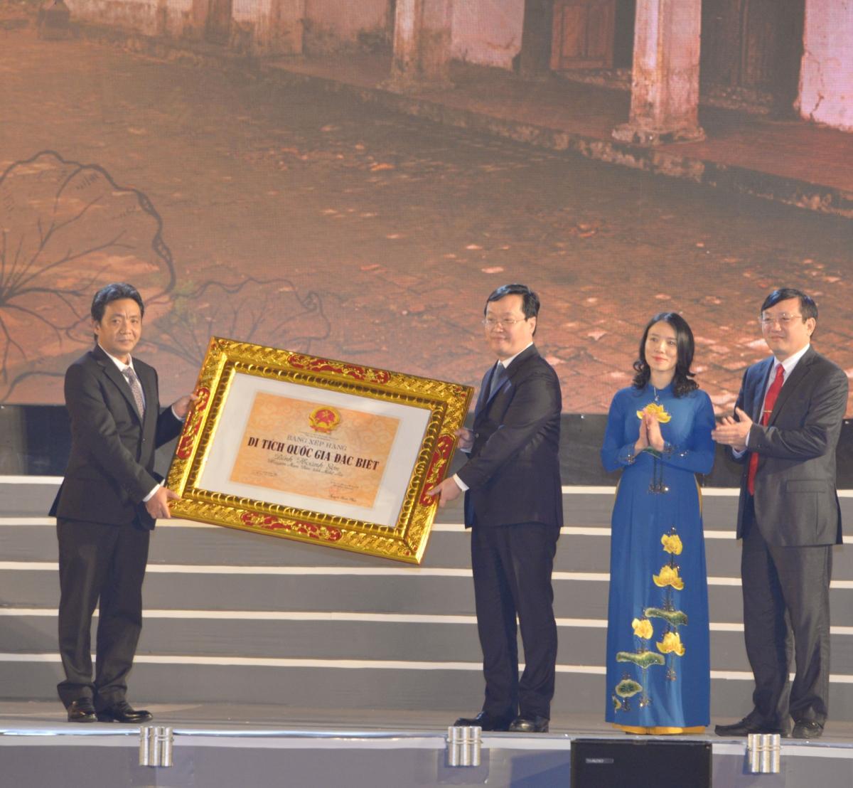 Nghệ An đón nhận bằng di tích Quốc gia đặc biệt Đình Hoàng Sơn.