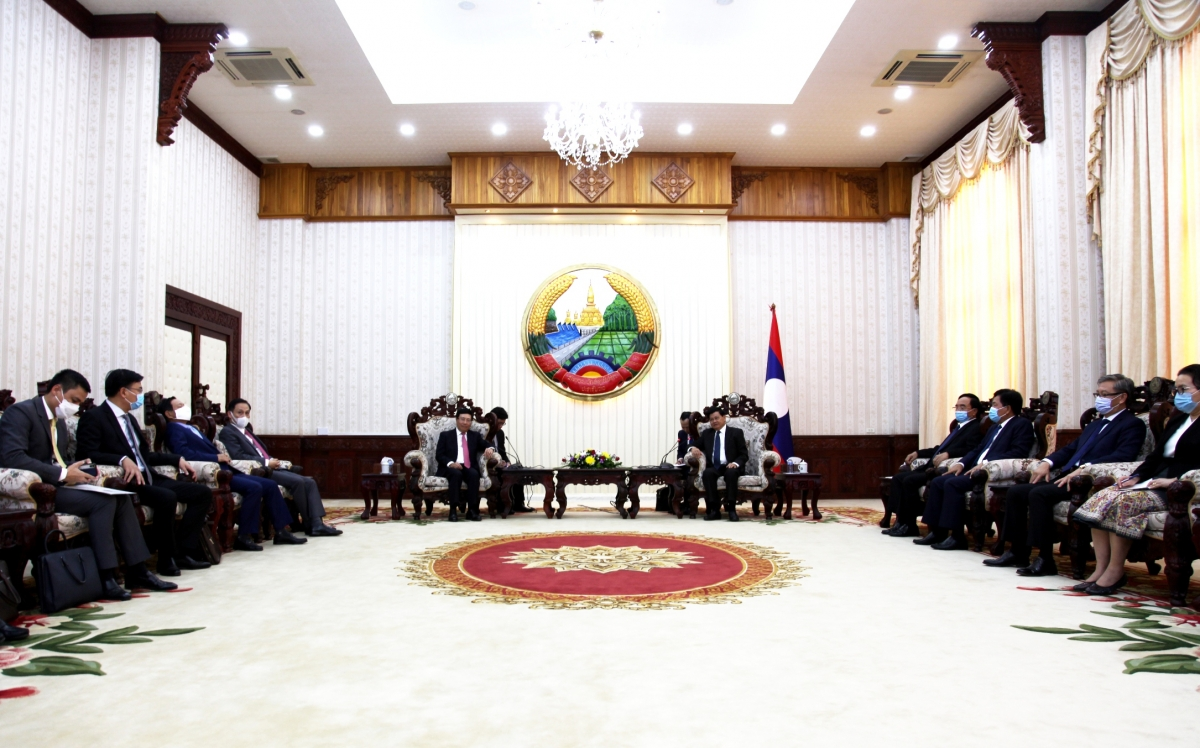 Thủ tướng Lào Thongloun SisulithtiếpPhó Thủ tướng, Bộ trưởng Ngoại giao Phạm Bình Minh.
