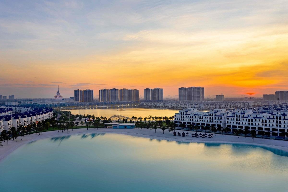 """Mô hình """"Thành phố biển hồ"""" độc đáo tại Vinhomes Ocean Park: Biển hồ nước mặn lớn thứ 6 thế giới sử dụng giải pháp công nghệ tiên tiến bậc nhất, hồ nước ngọt trải cát trắng nhân tạo 24,5ha lớn nhất Việt Nam."""