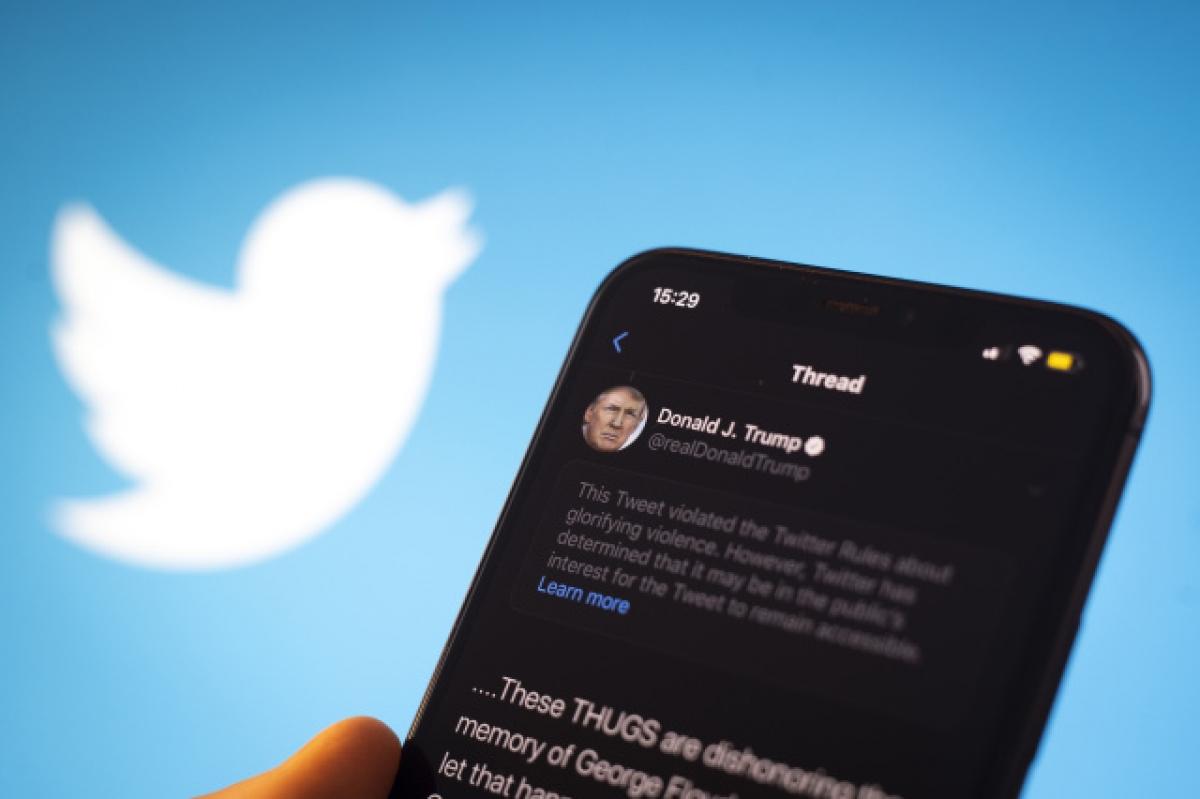 Tài khoản Twitter của ông Trump có một lượng người theo dõi rất lớn.