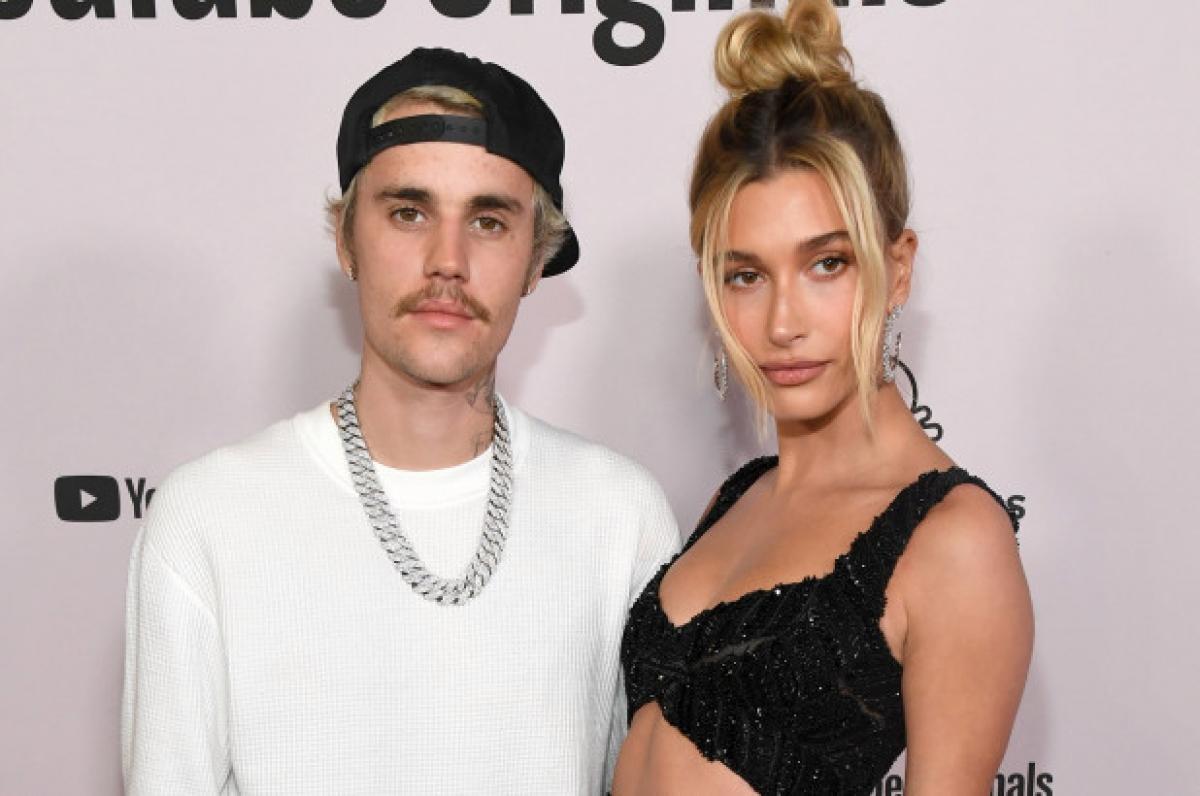Hailey Baldwin phủ nhận tin đồn mang thai với Justin Bieber