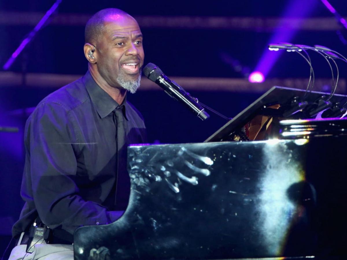 Nhận được tới 17 đề cử từ năm 1993, nhưng ca sĩ - nhạc sĩ R&B Brian McKnight chưa một lần giành giải Grammy.