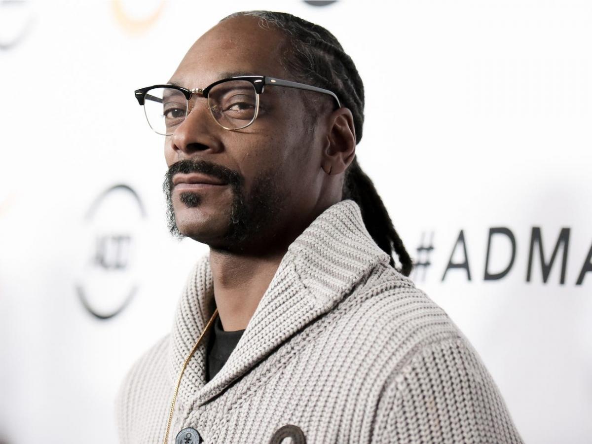 Cũng giống như McKnight, rapper Snoop Dogg chưa lần nào chiến thắng tại Grammy dù đã nhận được 16 lần đề cử.