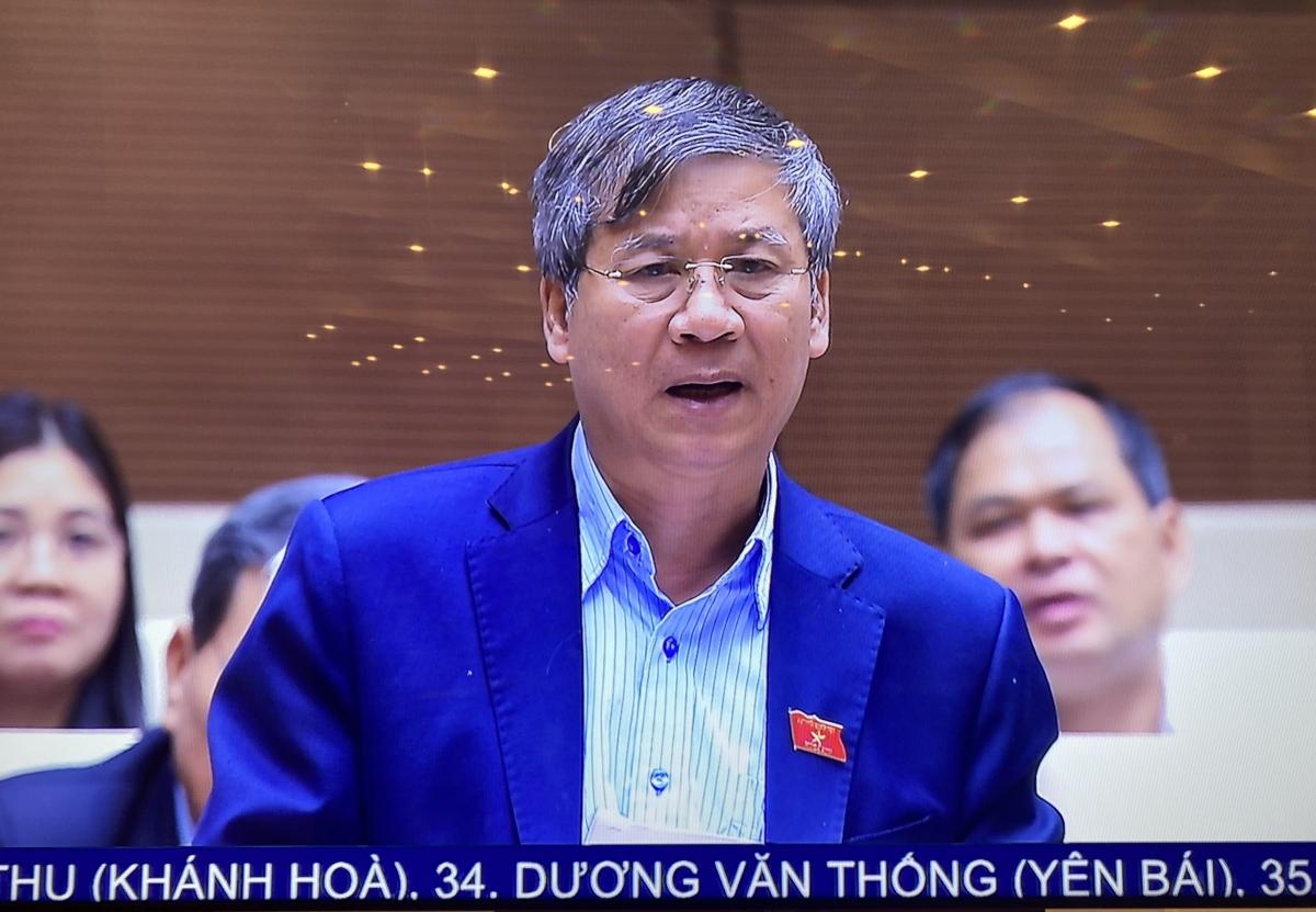 ĐBQH Đoàn Hà Nội Nguyễn Anh Trí phát biểu tại phiên thảo luận toàn thể chiều 4/11.