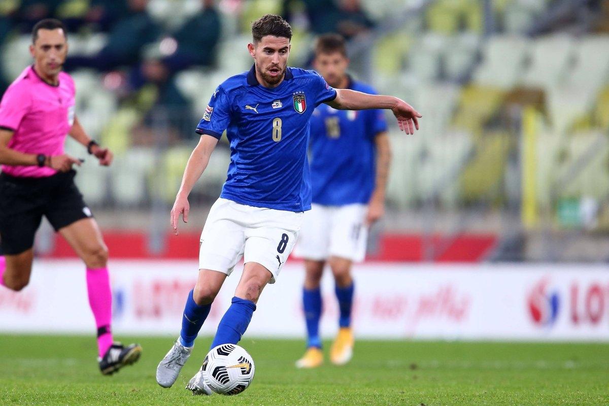 Tiền vệ: Jorginho (Italia 2-0 Ba Lan) – 8,0 điểm
