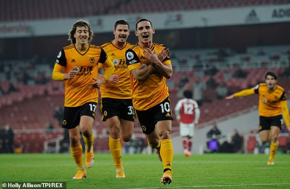 Wolves giành chiến thắng 2-1 ở trận này để vươn lên đứng thứ 6 trên BXH Premier League.