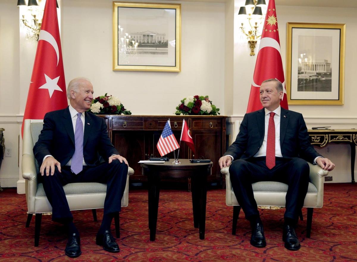Ông Biden và Tổng thống Thổ Nhĩ Kỳ Erdogan trong một cuộc gặp song phương ở Washington ngày 31/3/2016. Ảnh: Reuters