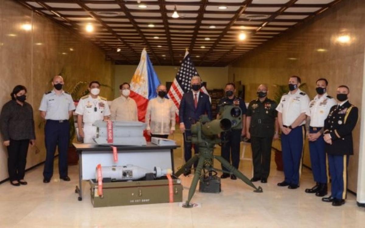 Mỹ trao thiết bị quân sự trị giá 18 triệu USD cho Philippines. Ảnh: Bộ Ngoại giao Philippines.
